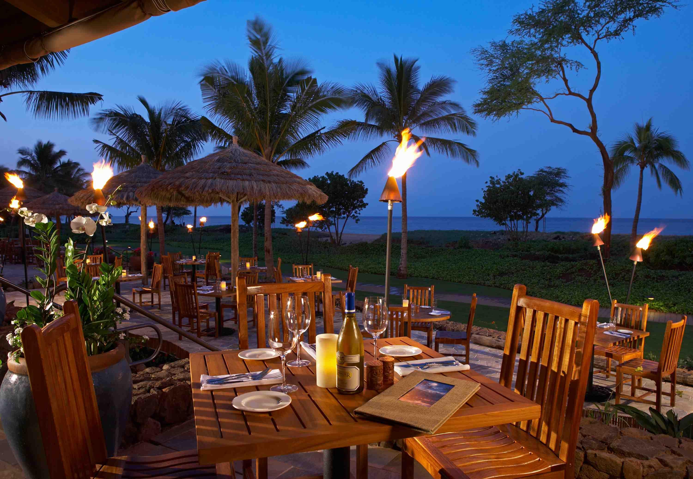 Islands Honolulu Restaurant